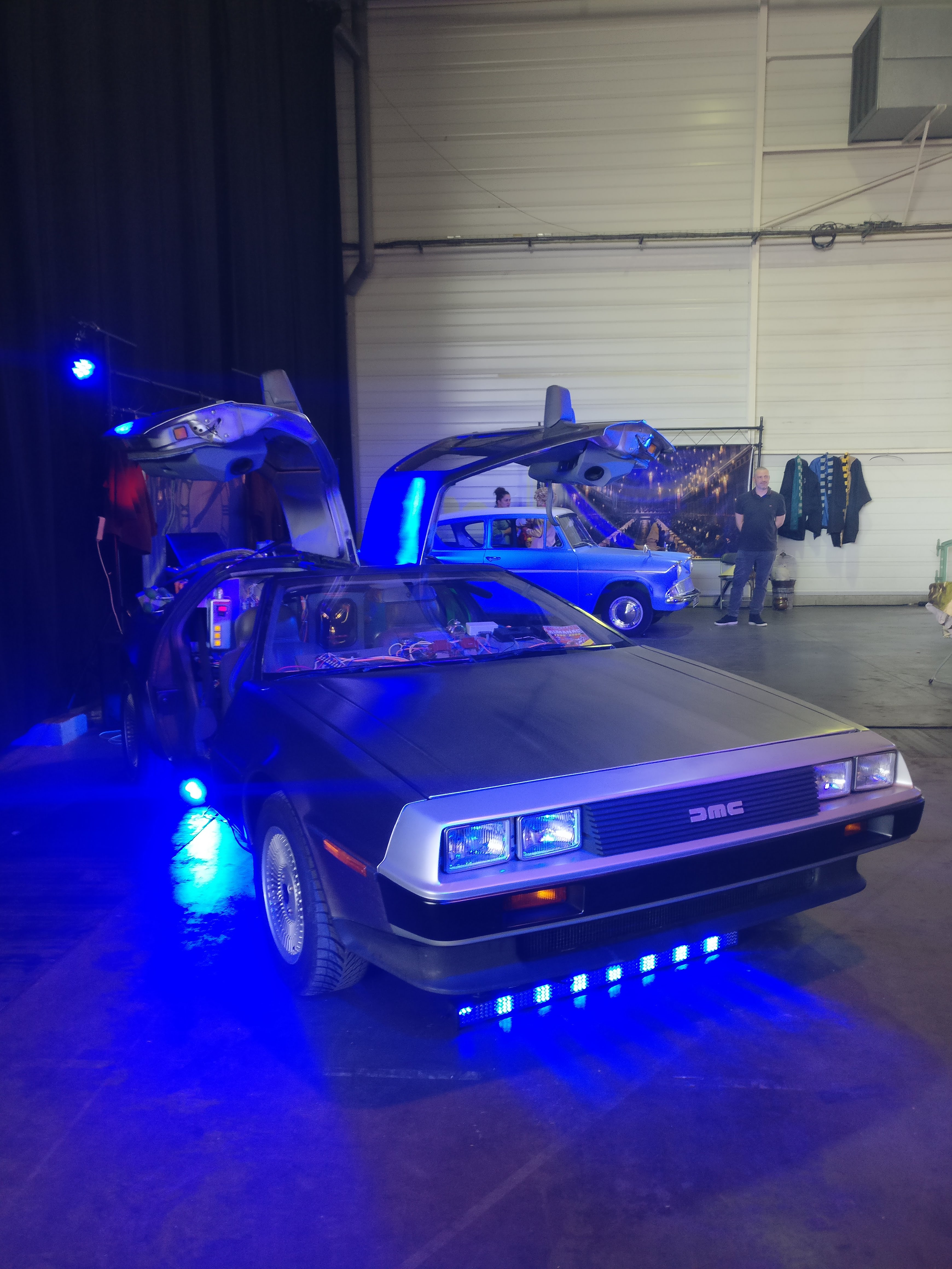 Delorean & Ford Anglia aux Geek Days Rouen