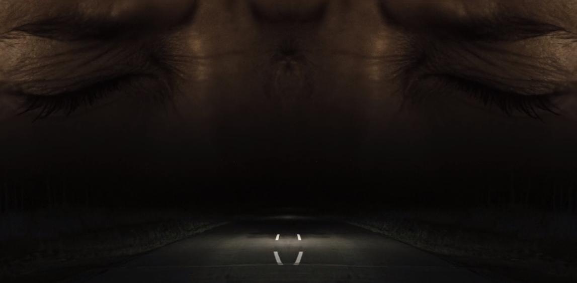 Symétrie du générique de Dark, série netflix